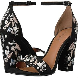 Floral Embroidered Heels!